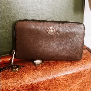 Tory Burch Robinson Large Continental Wallet